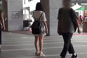 南梨央奈 黒髪の激カワ美少女が逆ナンに挑戦!ゲットした男性をホテルに連れ込みちんぽをフェラ