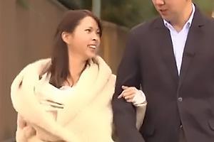 希咲エマ 夫と幸せに暮らす美人な巨乳妻!旦那の上司である元彼に母乳を吸われNTRセックス