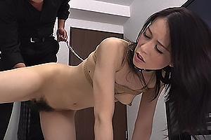 井上綾子 首輪をつけられ性奴隷調教される美人妻!手マンで感じまくりアナル舐めでご奉仕
