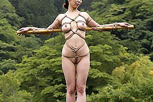 矢吹京子巨乳のドM熟女なお母さんと近親相姦ファック!野外に全裸で拘束して放置プレイ