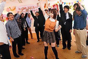 伊藤舞雪 ニーハイミニスカの激カワ巨乳美少女降臨!ファン感謝祭で素人男性達を抜きまくる