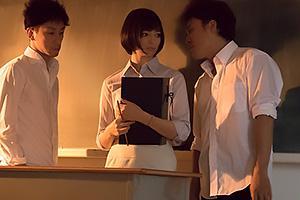 西田カリナ 人妻になりたての新婚女教師を輪姦レイプ!アナルに指を突っ込み弄ぶ生徒達