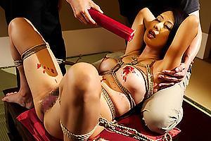 奥村瞳 夫が作った借金のために性奴隷と化す美熟女女将!緊縛されてSM調教されてしまう
