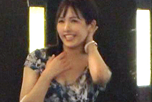 【ナンパTV】昼間はOLとして働く美人デリヘル嬢が美乳を淫らに揺らしてイキまくる