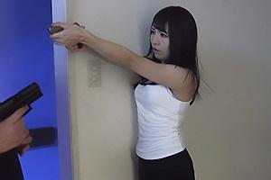 加藤ももか 仲間に裏切られて敵に囚われてしまった女捜査官!押さえつけられ電マでまんこを凌辱