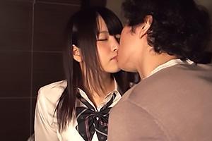 木村つな思春期の制服JKとイチャラブキス!純白パンツを脱がせたらまんこをたっぷり愛撫