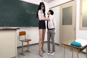 大谷翔子 超大型!180cmの長身ミニスカ痴女教師がチビなM男を手コキで弄り倒しの玩具扱い!