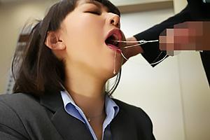 夏川あかり タイトスカートのOLにエレベーター内で痴女られる!ちんぽをフェラされ立ちバック挿入