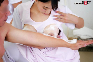 蓮実クレア 美人巨乳ナースがパイズリ洗体からの生ハメ中出しSEXの画像です