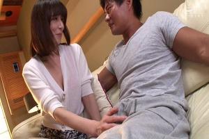 澤村レイコ 突然押しかけてきた嫁のお姉さんが肉食痴女!積極的に襲ってくるドスケベ熟女の中出し性交