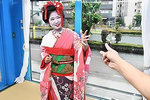 【マジックミラー号】浅草で見つけた芸妓さんをナンパ成功!野球拳対決でエッチなイタズラ