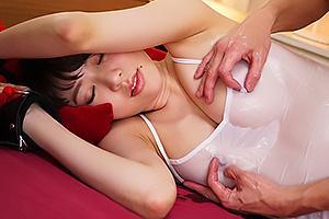 新井優香 拘束されたままスケスケのノーブラ巨乳を乳首責め!パイパンまんこ挿入で中出しファック