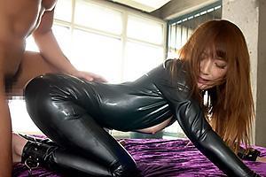 冬月かえで拘束されてしまったキャットスーツの女捜査官!肉棒をぶち込まれ拷問レイプ