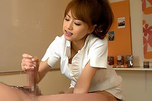 吉沢明歩 ドS感たっぷりなお姉さんのねっとり手コキで滅茶苦茶気持ちよく射精させられる