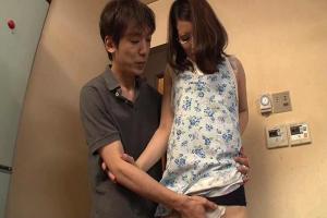 柳美和子 父親の不在時に美熟女のお母さんと近親相姦しちゃう息子!Tバックの巨尻を揉みまくる