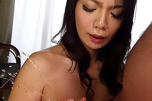 穂高ゆうき M男専門旅館の爆乳Gカップ女将にパイズリ手コキで顔射潮吹きさせられた!
