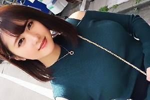 【素人】リノ(21) 服の上からでもわかる童顔爆乳女子大生!立ちバックで突かれまくり絶叫