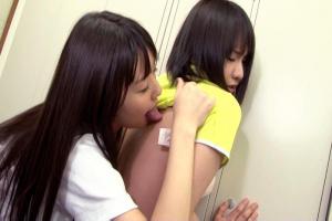 つぼみ安西優子ロッカールームでレズキス脇舐め全身愛撫する先輩後輩JK