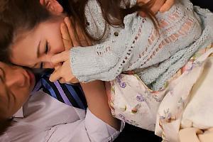 小川あさ美 酔っぱらった夫を連れ帰って来た同僚に襲われる美人妻!無理矢理服を剥がされNTRレイプ