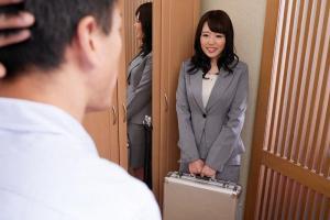 浜崎真緒大人のおもちゃ専門セールスレディのマル秘痴女営業テクニック!