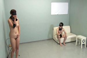 治験に集まったガチンコ素人が全裸で目隠し&耳栓の羞恥実験室で予測不能なエロ実験