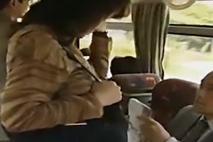【ヘンリー塚本】赤坂ルナ満員バス内で美熟女を痴漢行為!股間に手を突っ込み手マン責め