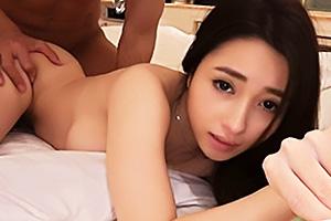 【素人】ONA(22) マッチアプリで見つけたクォーター美女!Tバックの脇から立ちバックでガン突き