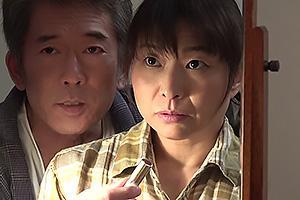 時田こずえ 平岡里枝子 村長に体を求められる五十路熟女妻!まんこをくぱあされNTRちんぽ挿入