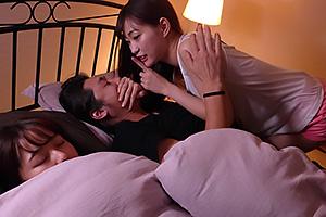 小悪魔痴女が誘惑する友達の彼氏をチンポ調教!寝ている彼女の隣でこっそり性交騎乗位で男潮!