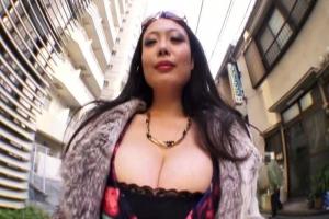 黒沢那智 デカパイ巨乳痴女がとにかくおっぱい見せびらかして淫語言いまくる3Pパイズラー
