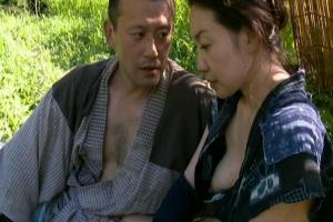 【ヘンリー塚本】大沢萌 未亡人の人妻熟女に欲情!野外で肉棒をぶち込み青姦ファック