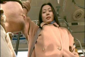 【ヘンリー塚本】北谷静香 バス内でフル勃起ちんぽをしごく痴女お姉さん!手コキで感じてしまう