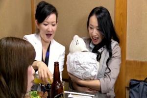 椎名綾子持ちの美乳人妻が久しぶりの同窓会で母乳垂れ流し不倫性交!ストレス発散欲望挿入!