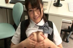 佐知子 元ヤリマンサセ子の巨乳メガネっ娘彼女がセフレチンコをパイズリフェラ