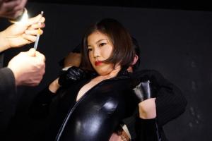 前田いろは キャットスーツを着た女スパイに薬物注射!拘束されて性的拷問で理性崩壊