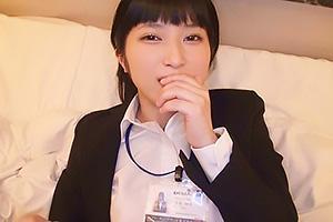 今井妙子 スーツ姿の激カワ社員を口説き落としハメ撮りセックス!センズリ鑑賞で羞恥全開