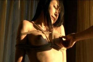 若林美保 美巨乳おっぱいの人妻現役ストリッパー!緊縛されたまま浮気ちんぽをイラマチオ
