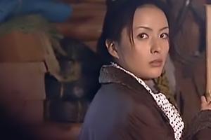 【ヘンリー塚本】桐島秋子 夫の兄弟に言い寄られてしまう熟女妻!倉庫内で和姦セックス