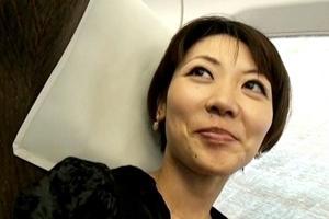 日和香澄 人妻が温泉へ不倫旅行!小振りなおっぱいや男根を挿入され連続ピストンでの喘ぎは素晴らしい