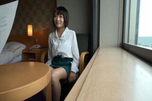 陽木かれん 幼い身体した純粋無垢な貧乳パイパン美少女!真昼間からホテルで卑猥な撮影会