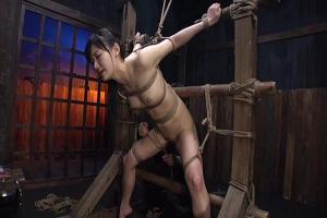 星川麻紀 拘束されたスレンダー美女が拷問ドラッグ浣腸アナル責めされる