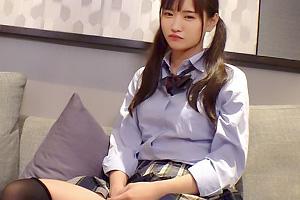 【素人】なるみ(18) 潮吹き体質なツインテールのニーハイJK!ツンデレ娘をバニーコスさせハメパコ