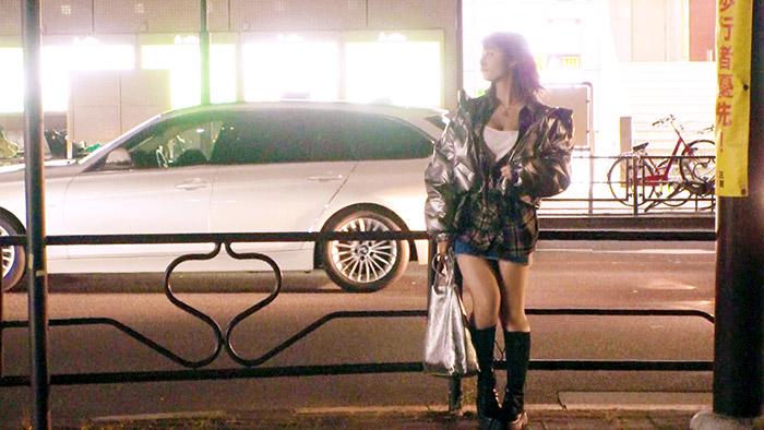 【歴代最高な逸材】22歳【純粋なビッチ娘】あかねちゃん参上!美容師をしている彼女の応募理由は『とにかくエッチが好きなんです♪』真冬に生足&胸元ガバ空き!露骨な誘惑をしてくる変態娘!我慢できず【車でオナニー】チンチン嬉しくて【大量の嬉ション】純粋にエッチが好き過ぎる女のド変態SEX絶対に見逃すな!