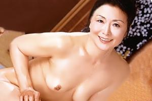 松岡貴美子 熟女ソープ嬢がヌルヌルマットプレイからのアナル舐め手コキ中出しSEX