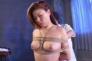 青木玲 朝比奈ゆい 巨乳美女が緊縛拘束され凌辱セックス!吊るされた女体に施していく快楽責め