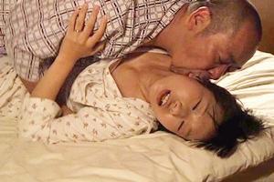 本庄優花 水嶋アリス お風呂で入念におマンコを洗って父と近親相姦セックスする娘