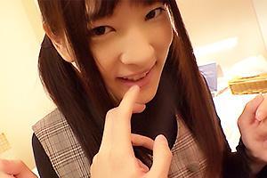 みかこ(23) 超絶可愛い童顔ツインテールのAカップ貧乳美少女!色白パイパンの素人娘とハメ撮り