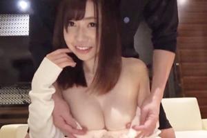 奥田咲 巨乳美女が騎乗位や立ちバック連続ピストンで感じて喘ぐ!揺れるおっぱいが最高!