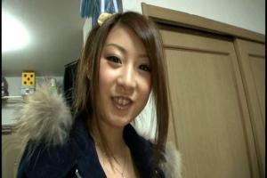 北川瞳巨乳ギャルなAV女優が素人宅で濃厚おしゃぶり!ジュポジュポ卑猥な音響かせながらフェラ