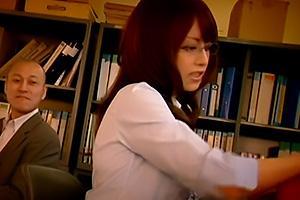 吉沢明歩 生徒に襲われてしまうメガネの美人女教師!肉棒をイラマチオさせられドMまんこを蹂躙レイプ